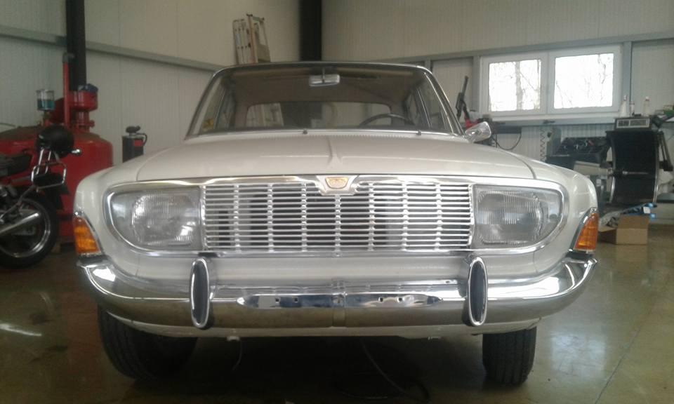 Ford 20M Kühlergrill
